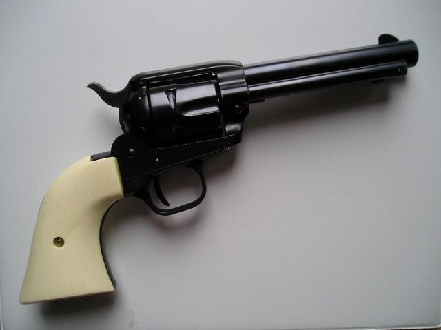 Colt_22Scout003 (640x479)